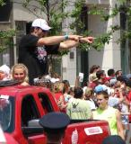 Andreas Lilja points to a group of fans at the 2008 Stanley Cup parade.
