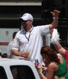 Tomas Holmstrom waves to the fans during the 2008 Stanley Cup parade.
