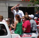 Tomas Holmstrom waves to a group of fans at the 2008 Stanley Cup parade.