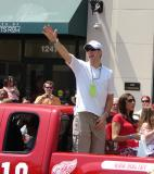 Kirk Maltby waves to the fans during the 2008 Stanley Cup parade.