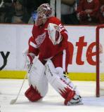 Jimmy Howard looks around a screen during a preseason game.