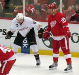 Johan Franzen lines up for a faceoff next to Anaheim's Bobby Ryan.