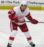 Jeff Hoggan tracks the play during the Red and White Game.