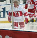 Garry Unger skates prior to the start of the first game of the Alumni Showdown.