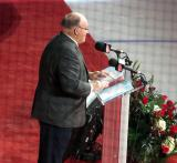 Scotty Bowman speaking during the ceremony for Red Kelly's jersey number retirement.